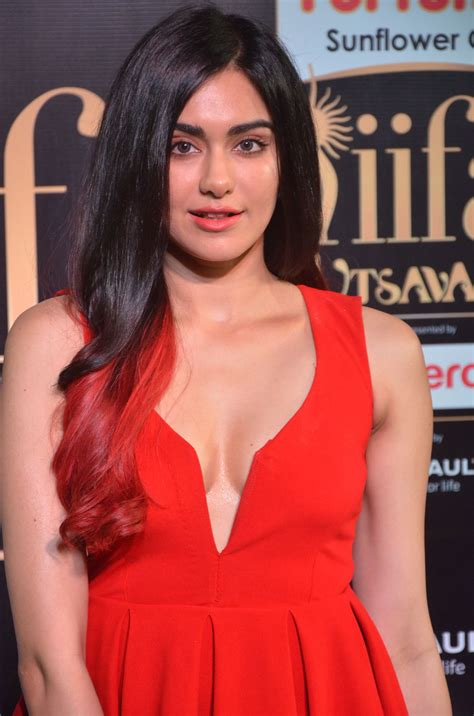pictures  adah sharma   mind blowing