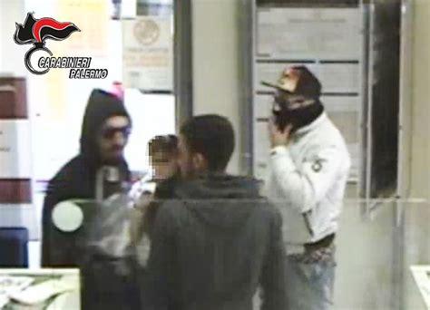 Banca Popolare A Palermo by Colpo Da 32mila In Banca Commando In Trappola 3
