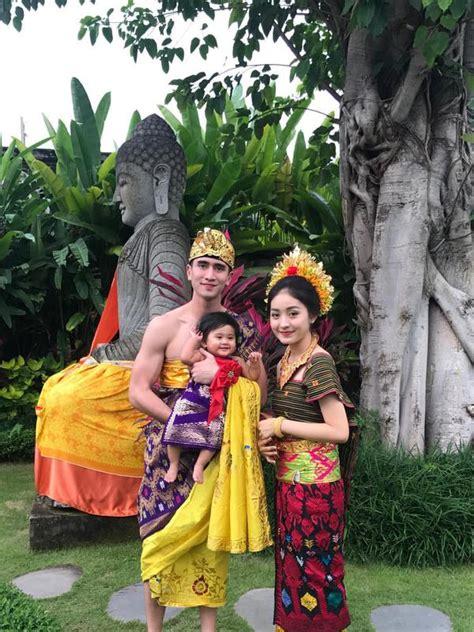 Baju Nikah Adat Bali baju adat bali muslim 5 pakaian adat bali pria dan wanita lengkap gambar baju adat bali