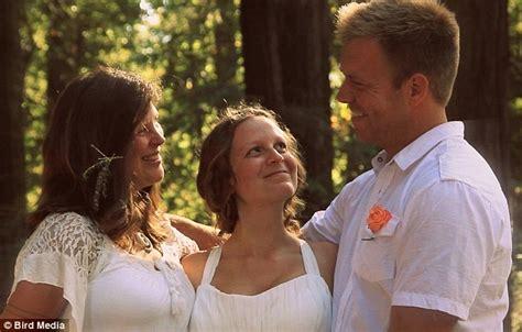 Hochzeit Zu Dritt by Polyamorous In Oakland California S Two Give