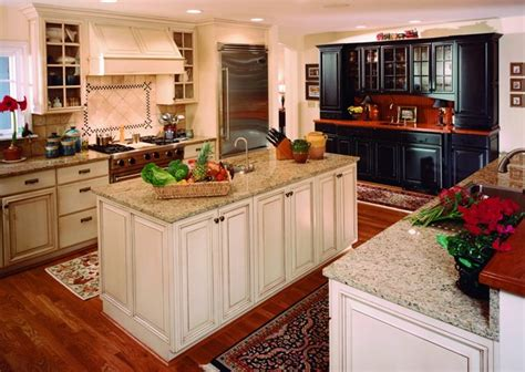holiday kitchen cabinets holiday kitchens ktrdecor com