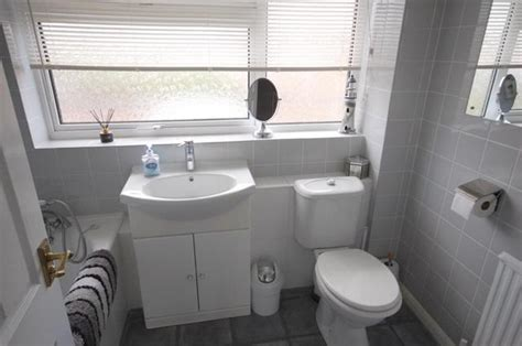 3 bedroom houses for sale in chelmsford 3 bedroom terraced house for sale in linnet drive tile kiln chelmsford cm2