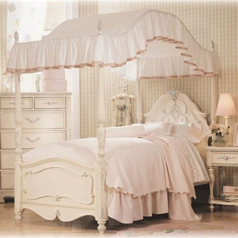 girls canopy bed 25 best ideas about girls canopy beds on pinterest
