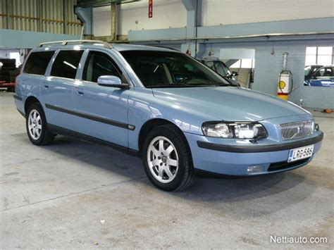 volvo v70 2 5 t review volvo v70 2 5 t awd photos and comments www picautos