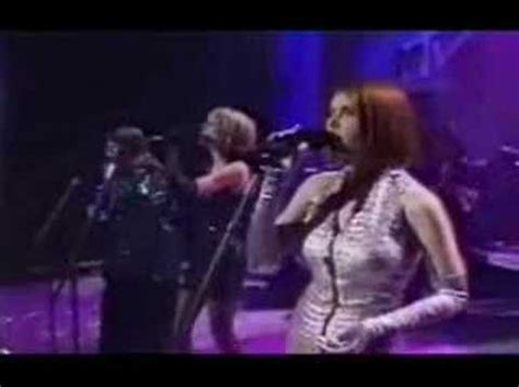 Hey Santa Are You Listening by Wilson Phillips Hold On Live On Mtv