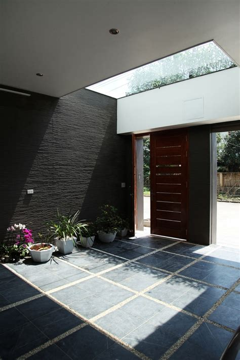 asian rectangular house  small courtyard housebeauty