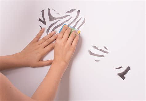 how to apply wall stickers how to apply a wallsticker 6 steps with pictures wikihow