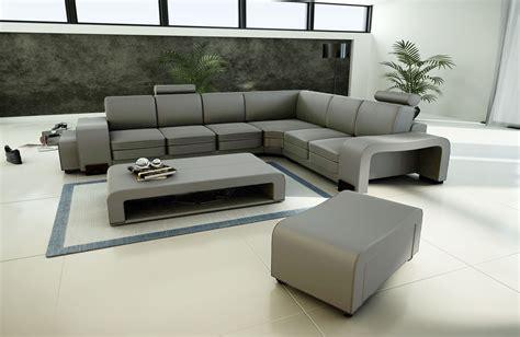divano l divano in tessuto a forma di l con tavolino e 2 pouf