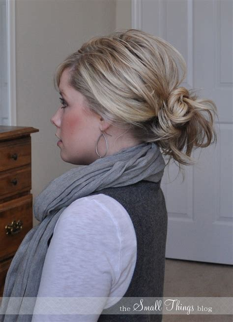 easy messy buns for shoulder length hair messy ponytail bun the small things blog