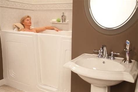 bathtub for senior citizens 303 best images about disabled bathroom tips on pinterest