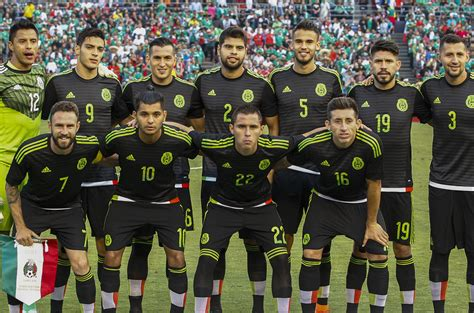 mexican national mexico s national soccer team players pictures to pin on pinsdaddy