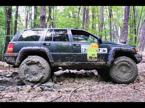 jeep grand mudding jeep grand v8 mudding