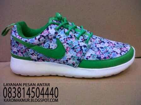 Sepatu Nike 5 0 Flower 1 karomakmur sport sepatu running nike roshe run