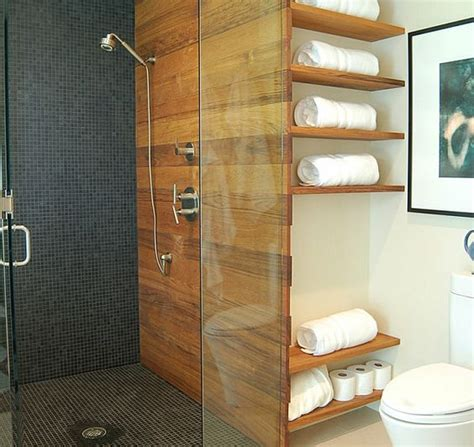 Badezimmer Mit Trennwand by Badezimmer Regale Wandgestaltung Holz Glas Trennwand