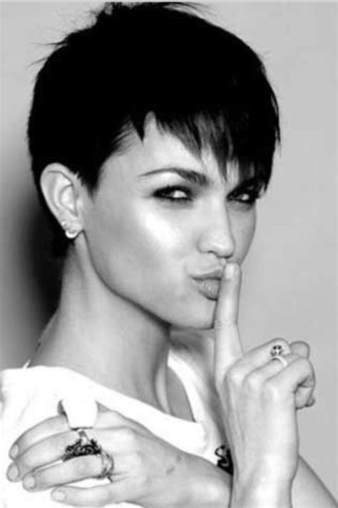 short coiffed hairstyles female executive 1000 images about hair on pinterest shorts for women