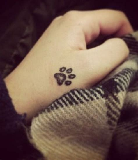 simple tattoo for girl on wrist small simple tattoo designs for girls on wrist google