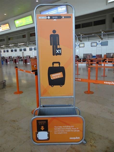 cabin baggage easyjet peut on prendre une valise en taxi moto urbandriver