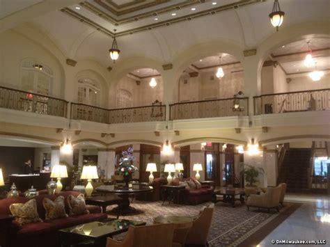 hotel blackhawk   place  stay  davenport iowa