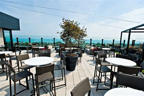 rooftop lincoln hotel top 10 rooftops in chicago