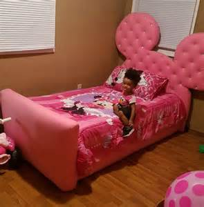 size minnie mouse bed