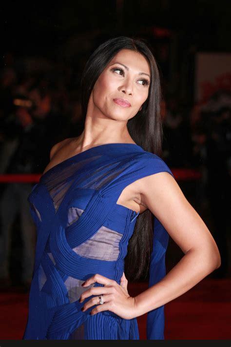 Rd Dress Anggun Toska anggun photos photos on the carpet for the nrj awards 2 zimbio