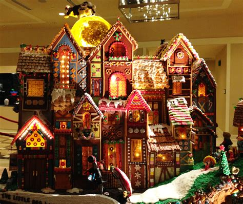 seattle gingerbread houses 1000 images about gingerbread houses on pinterest gingerbread houses gingerbread