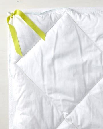 how to keep comforter in duvet 1000 images about master bedroom ideas on pinterest
