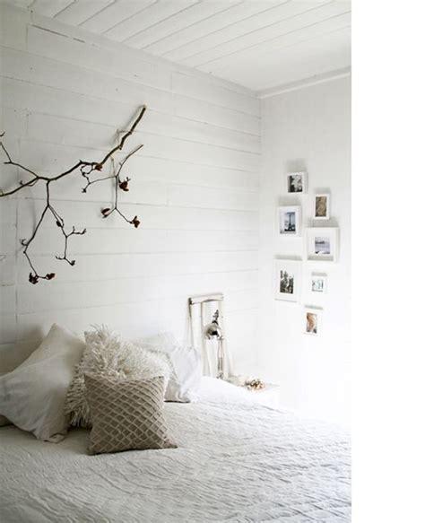 agréable Chambre Avec Lambris Blanc #1: chambre-blanche-mur-lambris-blanc.jpg