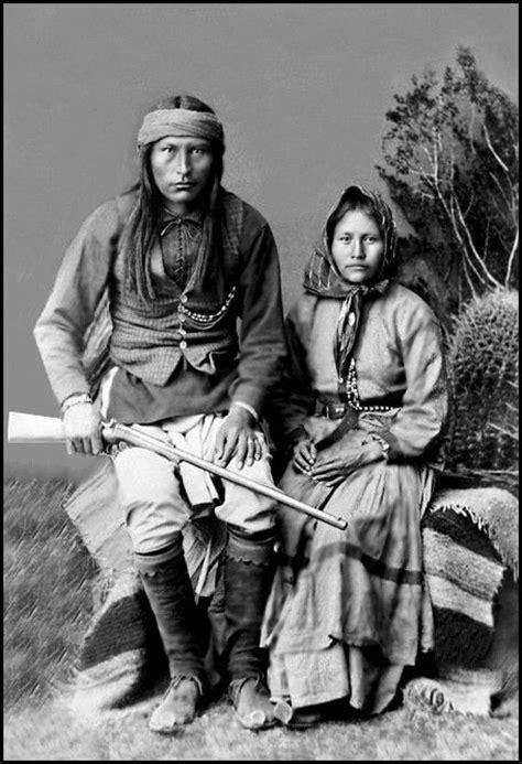 Naiche & his wife Ha-o-zinne. - In 1880, Naiche traveled