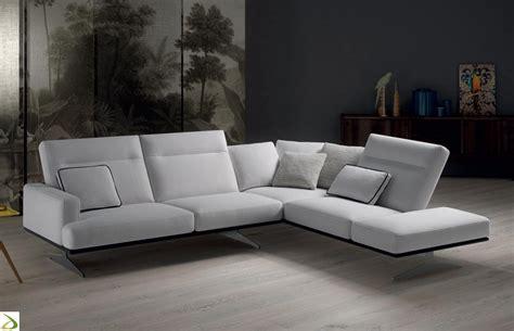 divani angolari divano angolare reclinabile tash arredo design