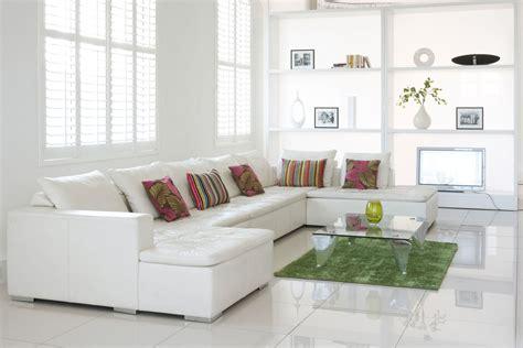 Sofa Warna Putih 7 tips mendekorasi rumah dengan warna putih