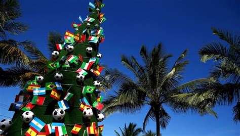 take a look of the 23 christmas decorations around the