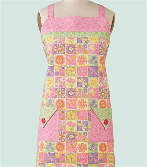 tutorial sew apron blooming whimsies apron free instructions from joann
