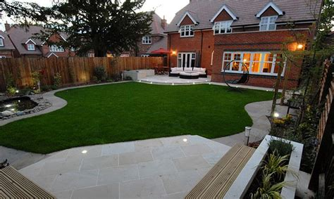Garden Patio Designs Uk by 86 Best Images About Small Gardens On Gardens