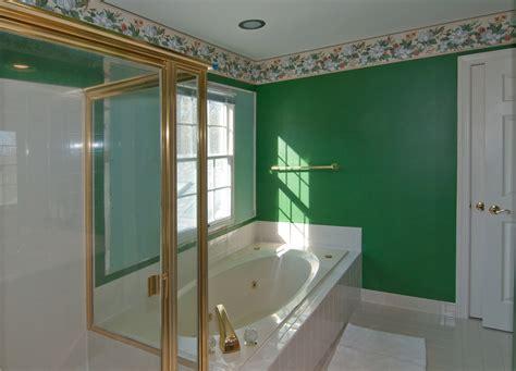 chic interiors check     bathroom