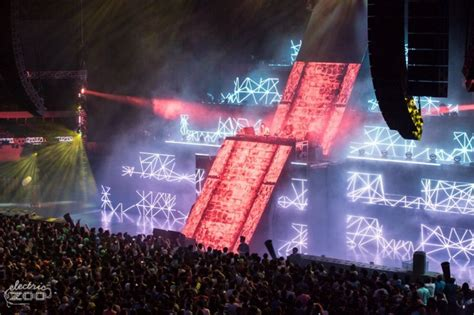 Garage Shop Design you have to see the stage design from electric zoo mexico
