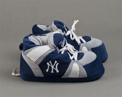 new york yankee slippers new york yankees slippers sports team slippers