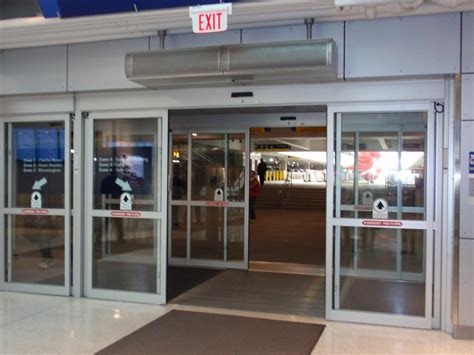 air curtain door air curtains air doors for institutions and facilities berner