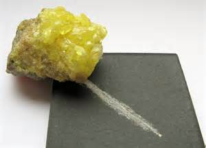 color of sulfur file sulfur streak color jpg