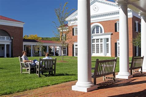 Mba Programs Virigina by Uva S Darden School Rises To No 2 In The World In The