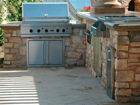 outdoor kitchens hgtv amazing outdoor kitchen photos hgtv