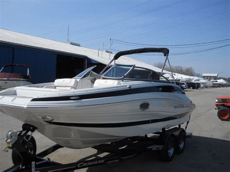 used boats ky crownline new and used boats for sale in kentucky