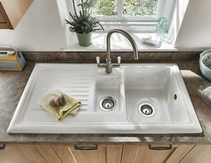 howdens kitchen sinks lamona ceramic 1 5 bowl sink ceramic kitchen sinks