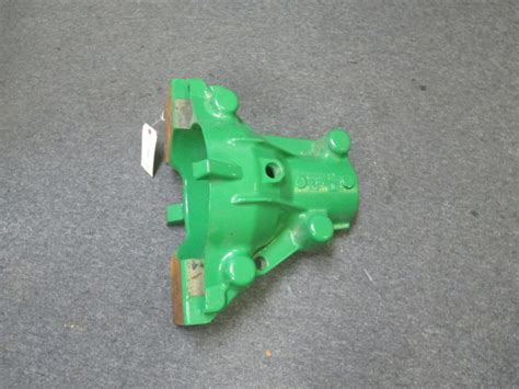 john deere retainer housing case