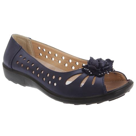 boulevard womens punched open toe flower casual