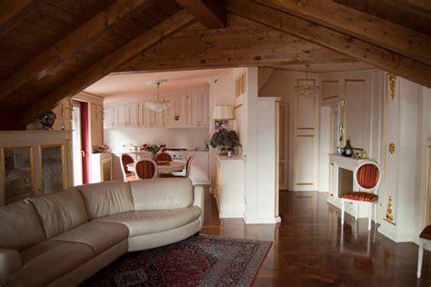 arredamento ingresso classico mansarda da abitare arredamento mansarda legnoeoltre
