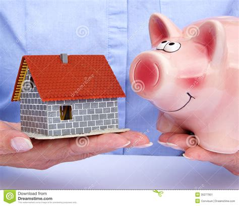 what bank holds the mortgage on this house what bank holds the mortgage on this house 28 images holding a piggy bank and a