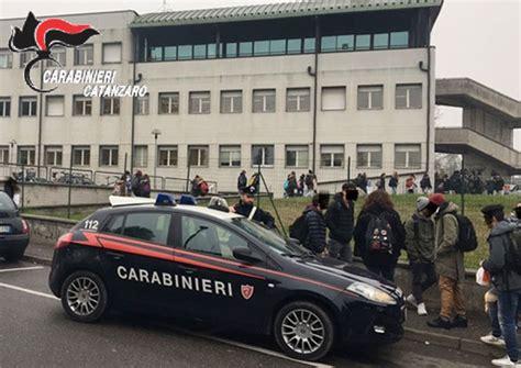 ufficio scolastico provinciale catanzaro evasione obbligo scolastico carabinieri denunciano 24