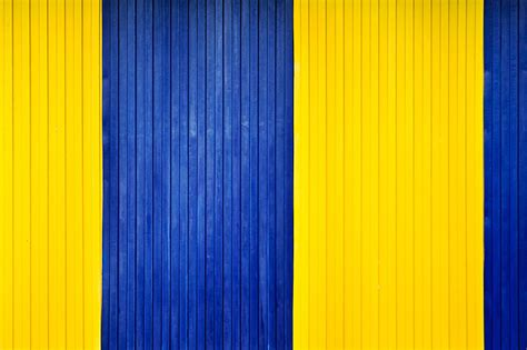 inspiration in yellow and blue lady fi