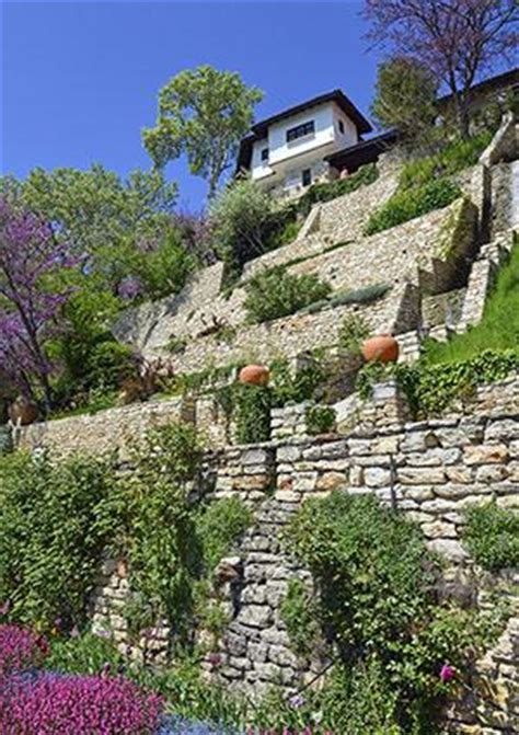 Design Your Own Backyard Slope Landscaping Ideas Lovetoknow